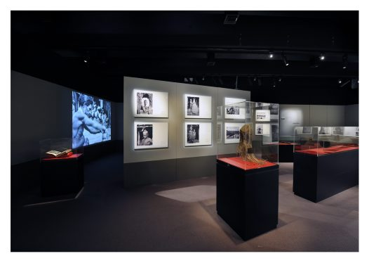 Frank Hurley exhibition image11