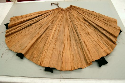 Leaf apron prepared for storage