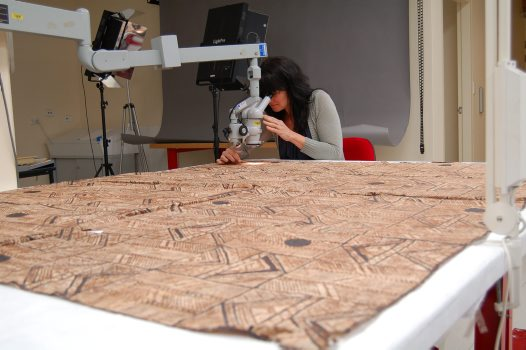 Solubility tests on painted bark cloth from Tonga