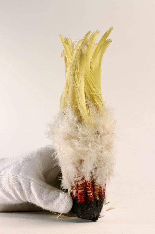 Cockatoo feather head ornament E014392