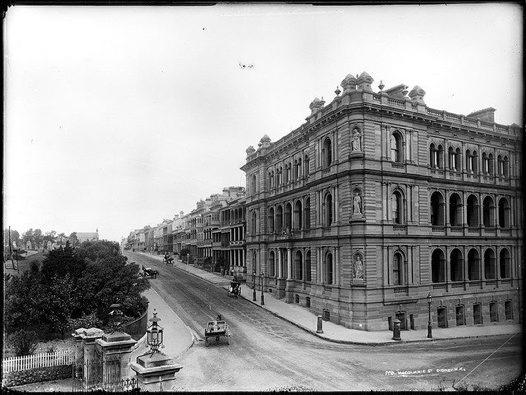 Walk: Historic Macquarie Street