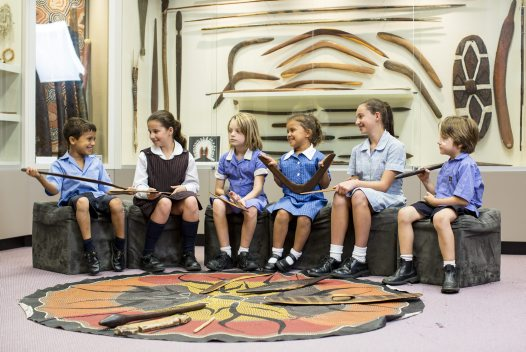Students with Aboriginal objects
