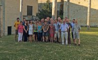 AMRI's Pat Hutchings facilitates a polychaete workshop in France