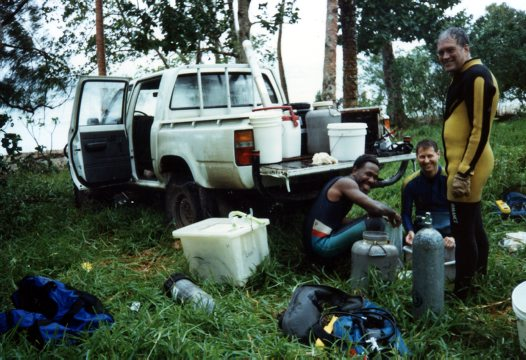 Vanuatu 1997 - preparing equipment