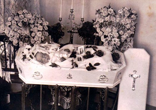 Post-mortem photograph, Victorian era 1
