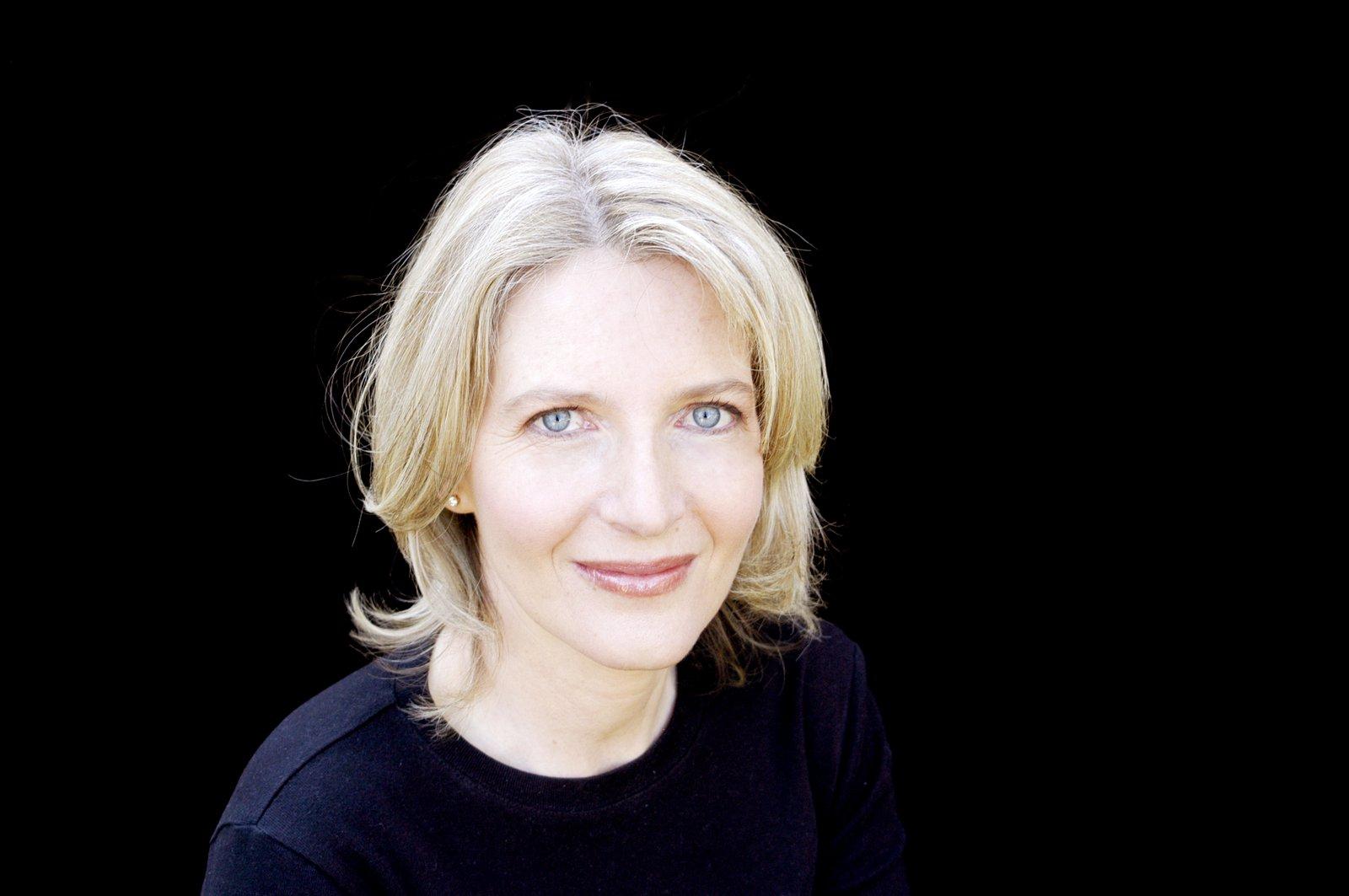 Dr Elizabeth Finkel