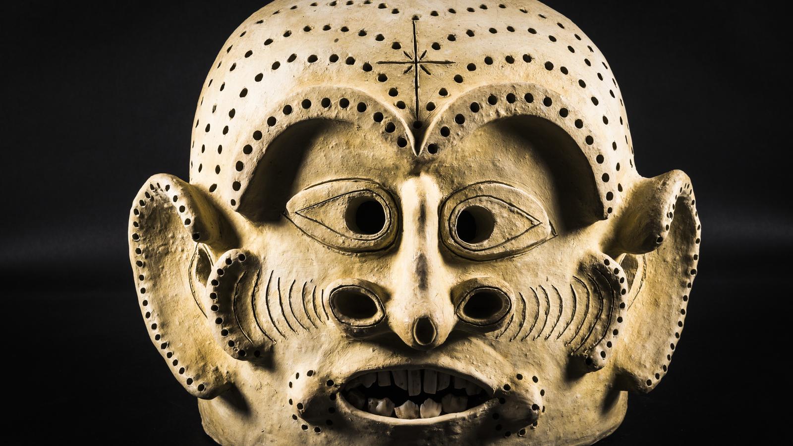 Asaro Holosa Clay Mask