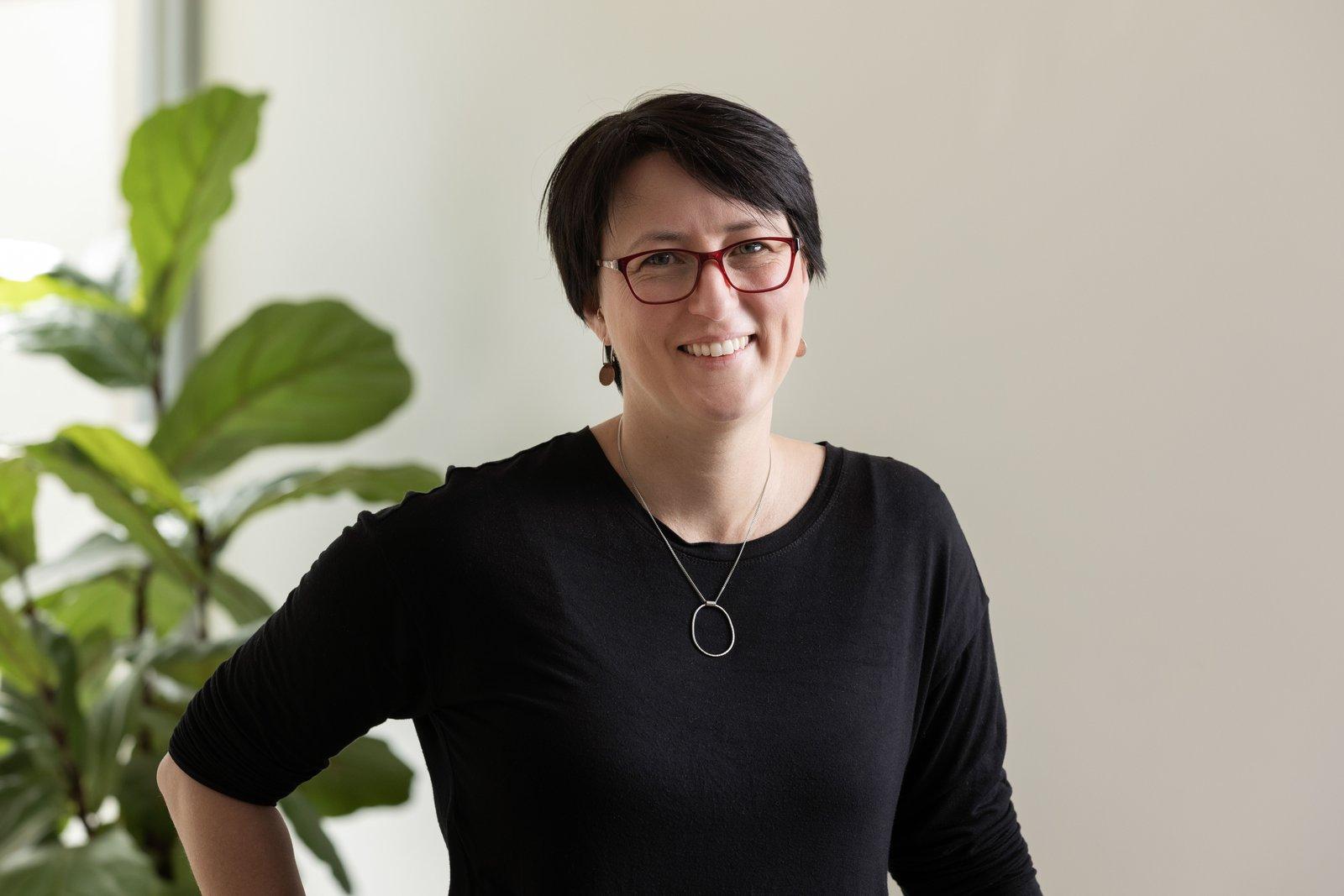 Dr Dyani Lewis - Finalist, 2021 Finkel Foundation Eureka Prize for Long-Form Science Journalism