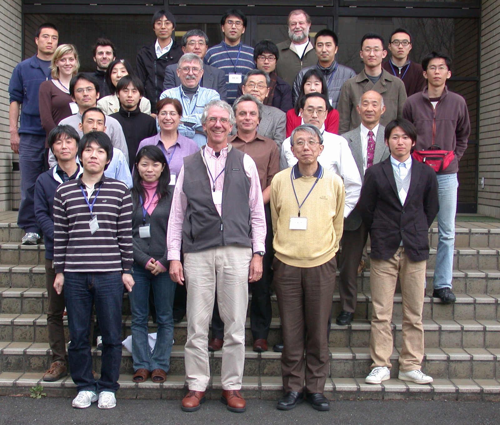 Jeff Leis with students at the larval-fish identification workshop, that Jeff helped run in Tokyo in 2009