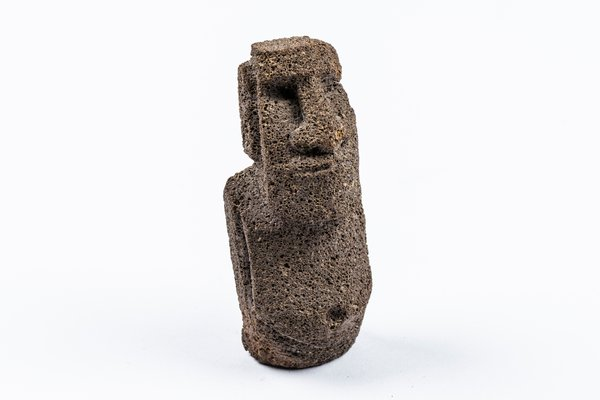 MIAB Pacific Box - Moai (statue) on Rapa Nui (Easter Island) miniature