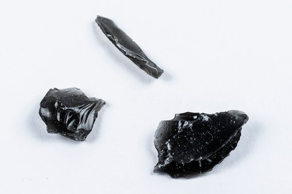 MIAB Pacific Box - Obsidian blades from the Solomon Islands