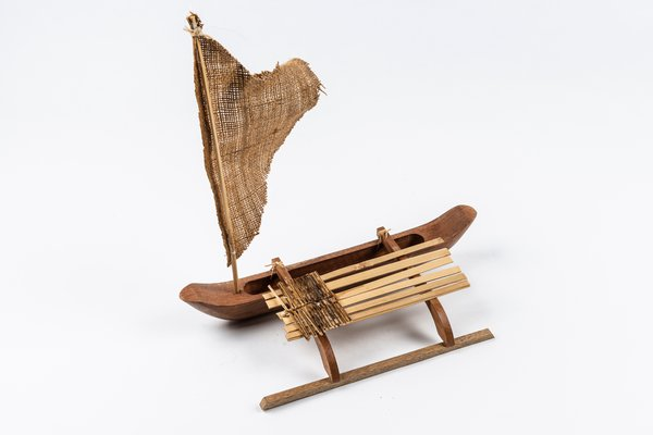 MIAB Pacific Box - Outrigger canoe miniature