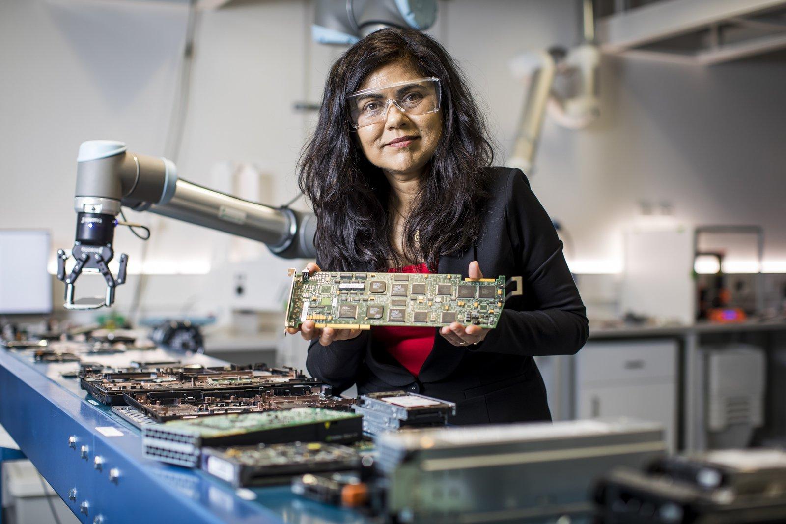 Professor Veena Sahajwalla, UNSW