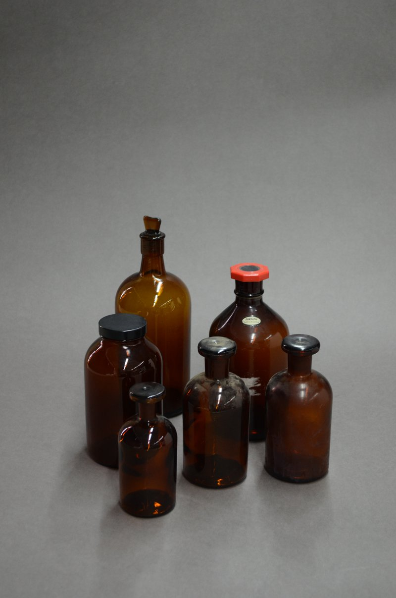 MA00944 - Chemical Bottles (2)