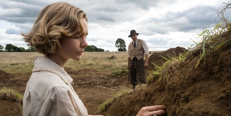 Netflix's The Dig dramatizes the excavation of an elaborate Anglo-Saxon ship burial. (Larry Horricks / Netflix)