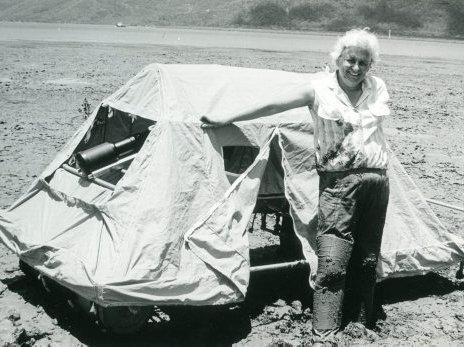 Amphibious mobile hide