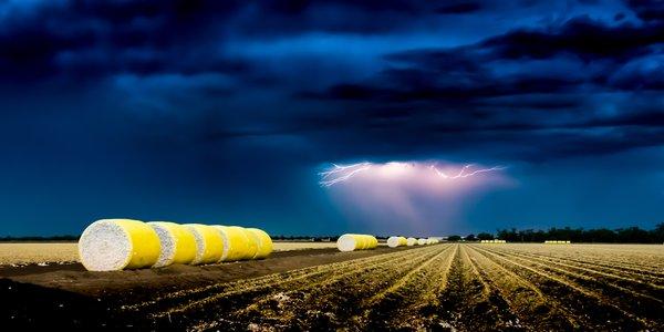 Lightning Bales