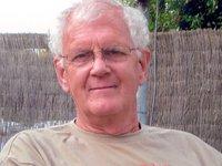 Dr Robert (Bob) McDowall