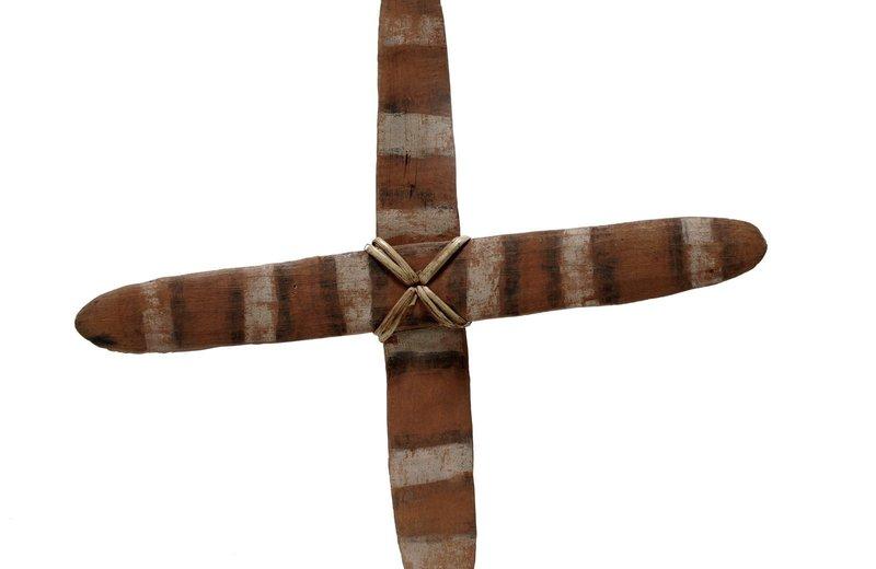 Cross boomerang E013838