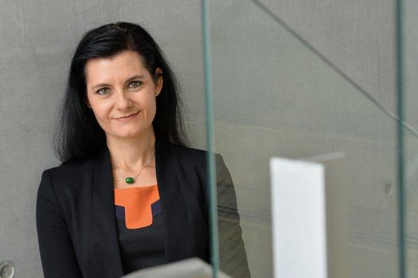 Dr Rebecca Johnson