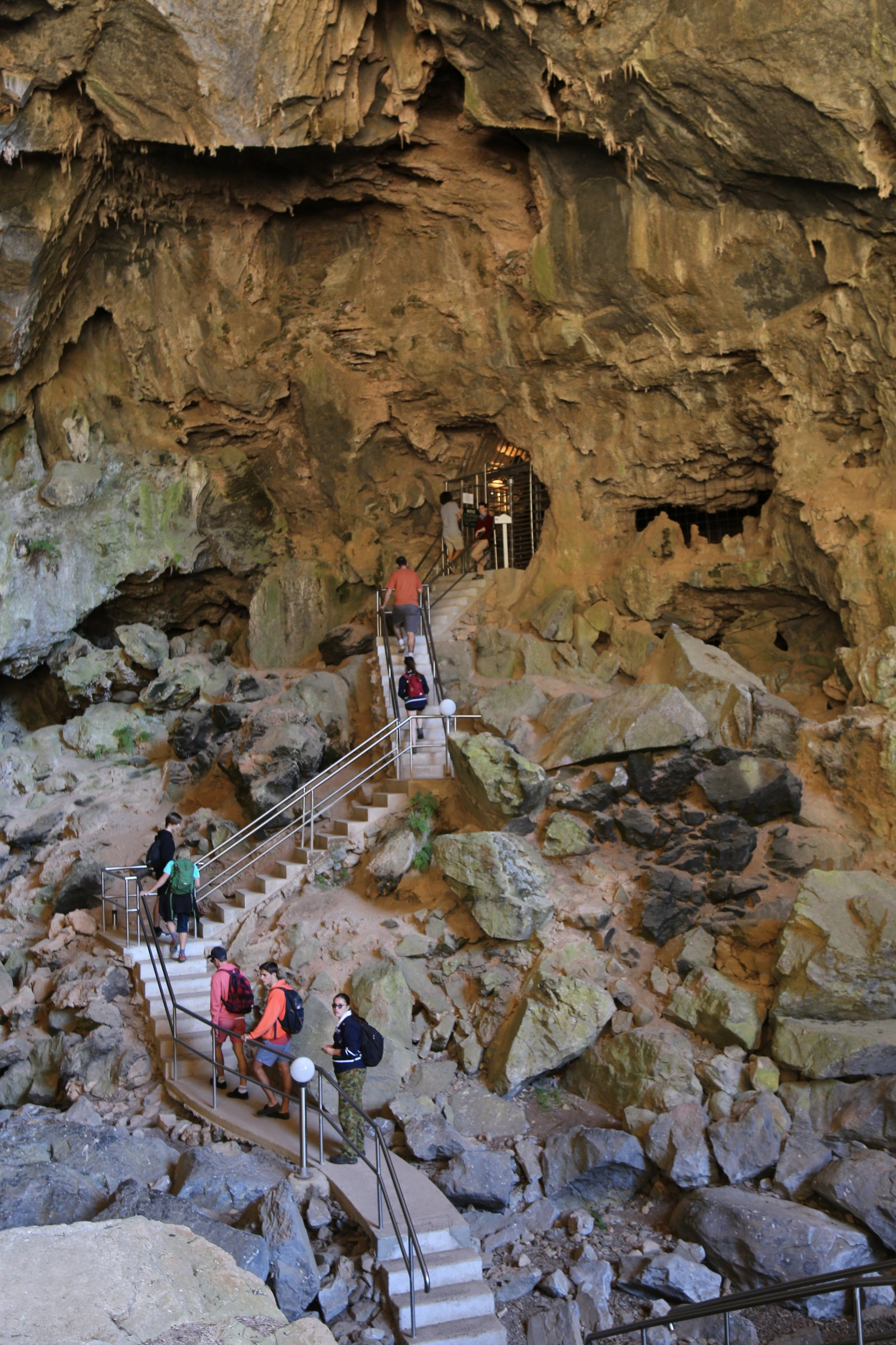 Students visiting Jenolan Caves