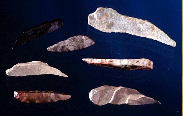 Bondi points stone tool