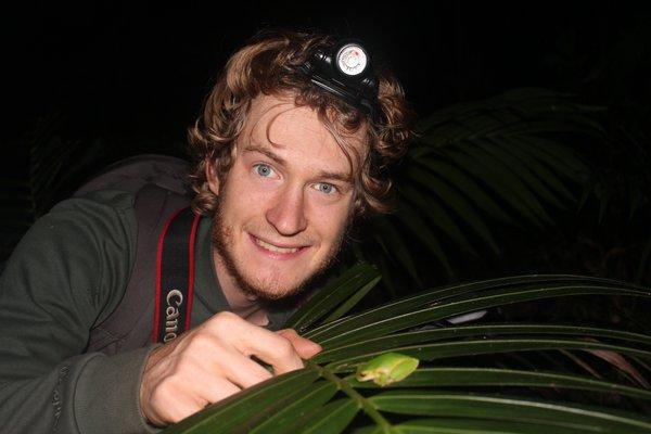 Stephen Mahony and a Kroombit Tree Frog (Litoria kroombitensis)