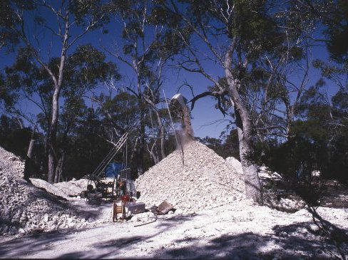 Mining at Lightning Ridge NSW