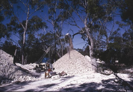 Mining at Lightning Ridge NSW