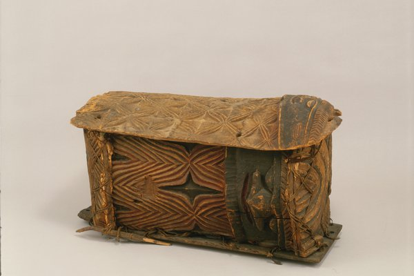 New Caledonian burial chest