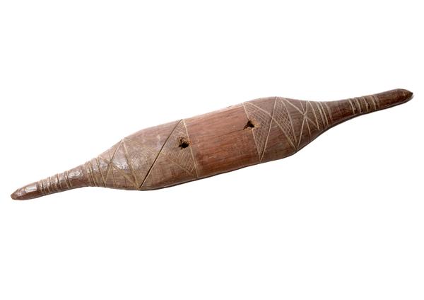 E078181 shield, wood, south-east Australia