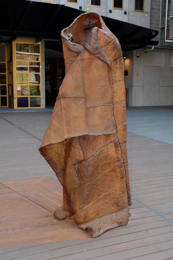 wurrunggi biik - Law of the Land sculpture