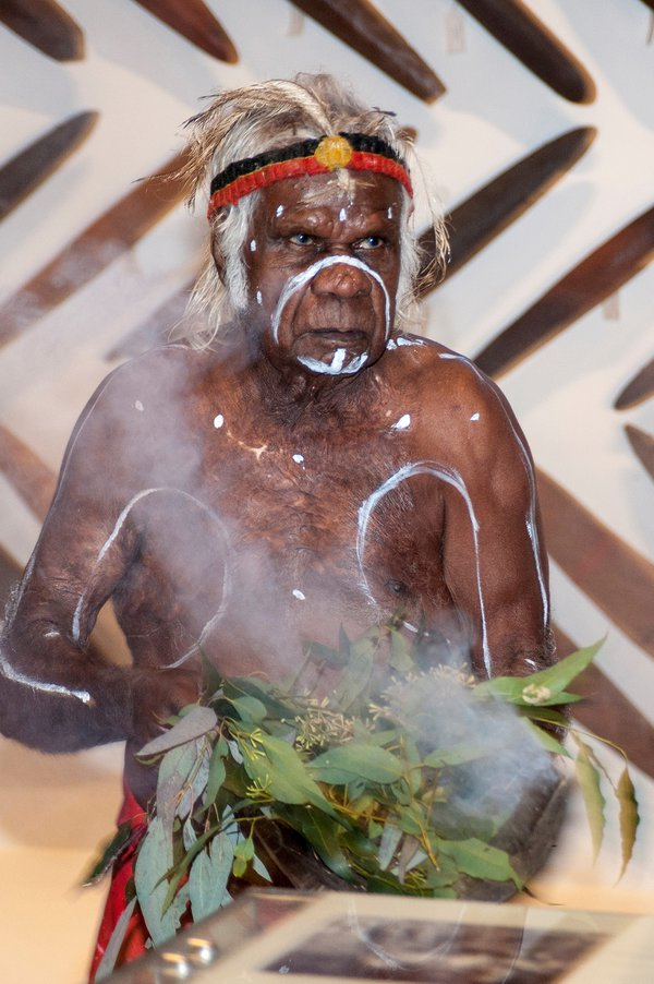 Smoking ceremony at the Bayala Nura gallery opening